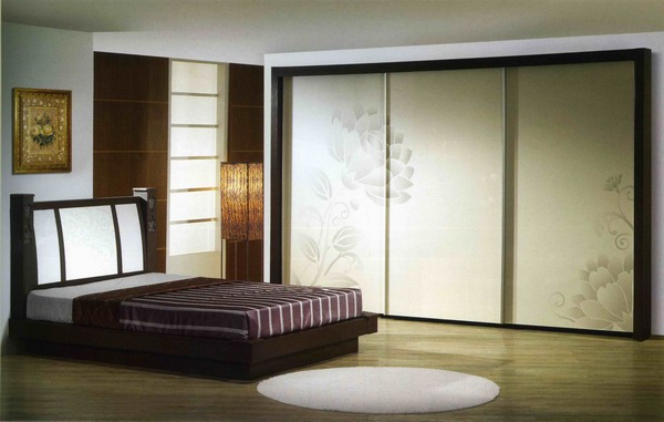 20 Decorative Sliding Closet Doors With Inspiring Designs 3 Panels