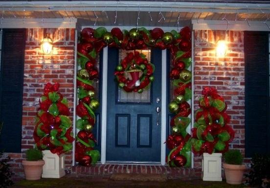 Tremendous Simple Christmas Door Decorations Christmas Office Door Decorating Largest Home Design Picture Inspirations Pitcheantrous