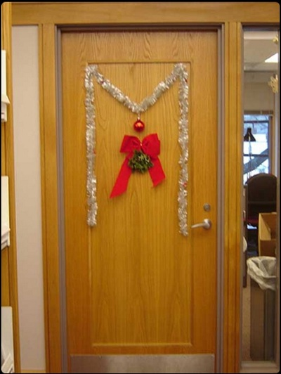 Christmas Decorations Sliding Glass Doors : Simple christmas door decorations office