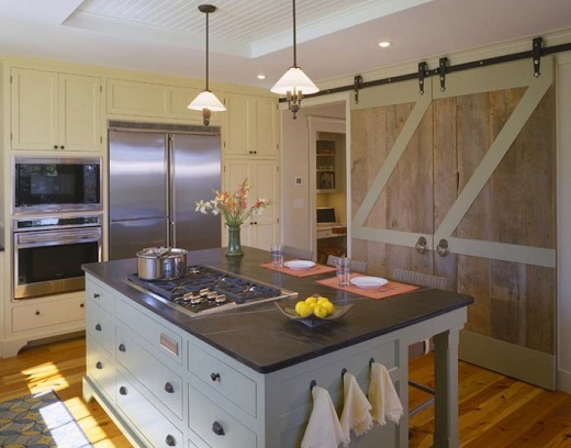 15 barn doors with inspiring designs old style barn door for Barn kitchen designs